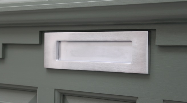 A clean and sharp Voysey & Jones satin chrome letterplate