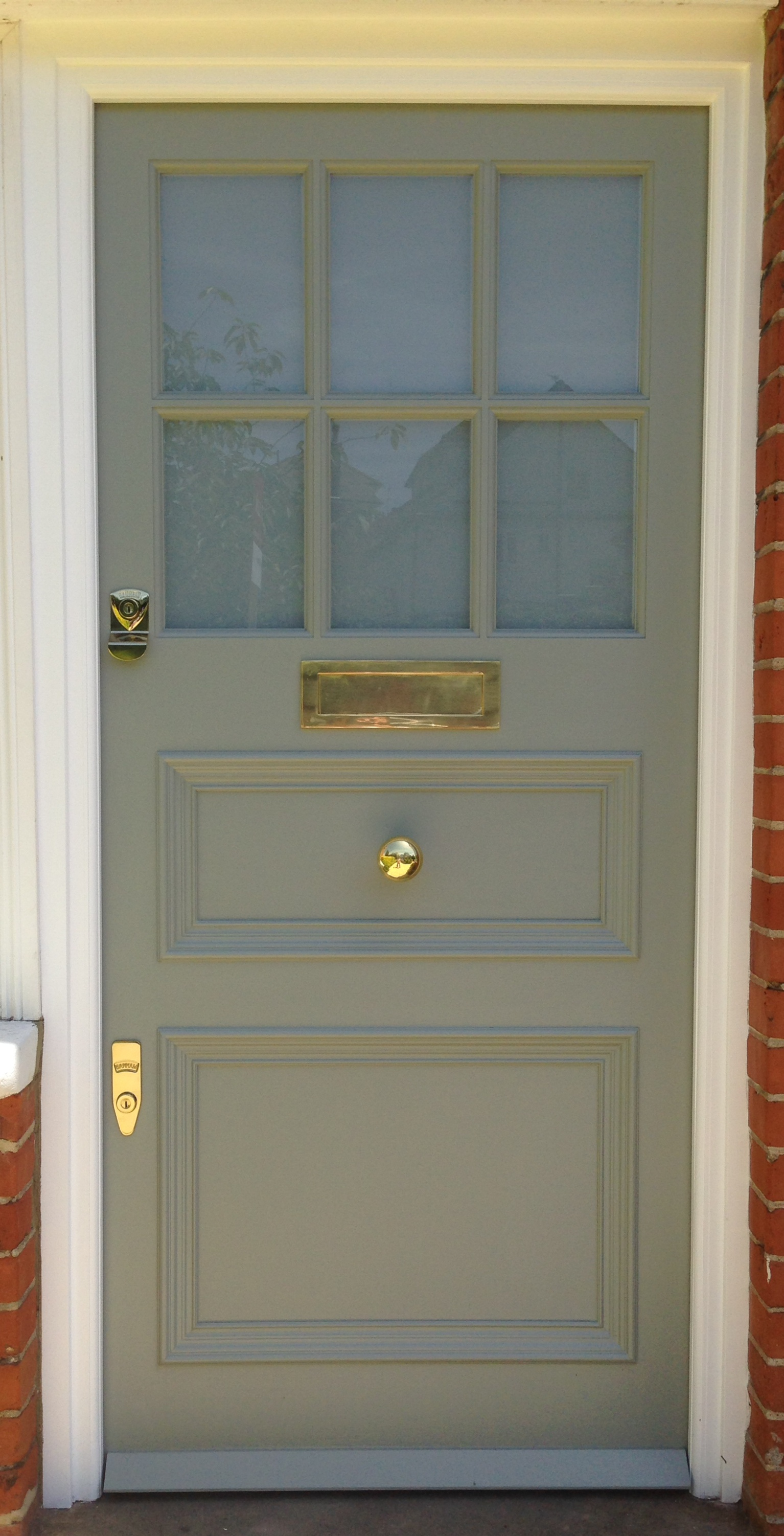 The voysey crossover above is hand painted in farrow Farrow and ball exterior door paint